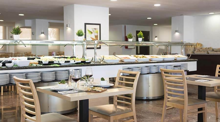 Mediterranean and international gastronomy in the restaurant of the hotel palia las palomas in malaga